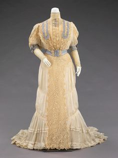 Evening Dress 1900-02, Brooklyn Museum Costume Collection at the Met