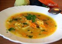 Vydatná cuketová polévka s kedlubnou a mrkví Thai Red Curry, Treats, Ethnic Recipes, Soups, Catalog, Sweet Like Candy, Soup, Sweets, Chowder