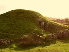 Bryn Celli Ddu, Ynys Môn, North Wales - Isle of Anglesey Anglesey, Snowdonia, Great Britan, Irish Luck, The Two Towers, Cymru, Iron Age, North Wales, Prehistory