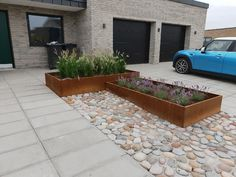 Store Højbede i højden 40 cm i corten stål – De er foret med flamingo Front Walkway, Front Yard Landscaping, Garden Deco, Terrace Garden, Small Gardens, Outdoor Gardens, Garden Fountains, Exterior, Backyard