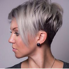 The pixie cut is versatility.Need to find pixie cuts and pixie hairstyles inspiration?Click our list of 80 trending pixie haircuts for women now. Round Face Haircuts, Hairstyles For Round Faces, Short Hairstyles For Women, Bob Hairstyles, Layered Hairstyles, Pixie Haircuts, Wedding Hairstyles, Trendy Hairstyles, Punk Pixie Haircut