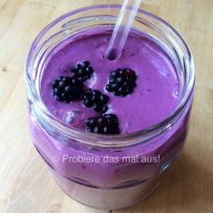 #smoothietime #yummy #lecker #smoothie #brombeeren #blackberries #violet #purple #lila #colorful #colorfulfoodie #healthy #gesund #probieredasmalaus #today #breakfast #frühstück #farbenfroh