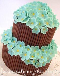 Paso a paso: idea para decorar una tarta fondant - Step by step: idea to decorate a cake fondant                                                                                                                                                                                 Más