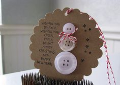 Inspiration: Handmade Holiday Gift Tags Creative ideas in crafts and upcycled, innovative, repurposed art and home decor. Kids Crafts, Christmas Crafts For Kids, Homemade Christmas, Christmas Projects, Holiday Crafts, Homemade Ornaments, Christmas Gift Tags, Christmas Snowman, Christmas Holidays
