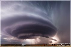 """""Mothership Cloud"" Supercell Tornado In Texas"" story by Accu Weather - Texas weather freaks me out Tornado Texas, Tornado Pictures, Texas Weather, Wild Weather, Eye Of The Storm, Tornados, Extreme Weather, Beautiful Sky, Beautiful Things"