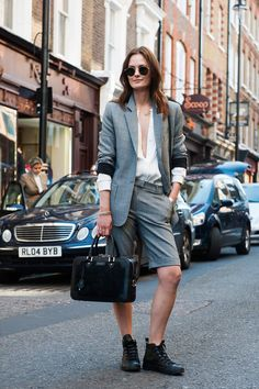 24 Clever Ways to Wear Your Shorts to Work