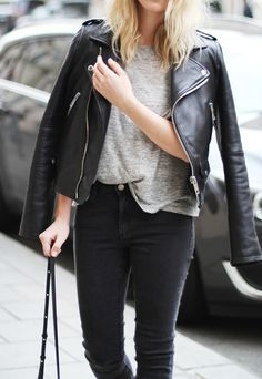 Love the entire casual look. Need a more fitted (p)leather jacket. Fashion Mode, Look Fashion, Womens Fashion, Classy Fashion, Fashion Black, Fashion Fall, Modern Fashion, Ladies Fashion, Runway Fashion