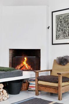 FINN – LØKKA V/ RATHKES PLASS. Stor klassisk 3-roms med fantastiske lysforhold og takhøyde. Langsgående rom. 3 ildsteder. Lekkert kjøkken.