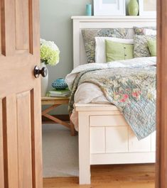This beautiful farmhouse bed can be made for just a fraction of the cost to buy - all from standard, off the shelf lumber! You won't need a pocket hole jig or any special tools to build. This bed has been built thousands of times and is a reader favorite. #anawhite #anawhiteplans #diy #diybed #diyfurniture #farmhouse #farmhousebed Simple Furniture, Diy Furniture Plans, Farmhouse Furniture, Woodworking Furniture, Wood Furniture, Woodworking Plans, Woodworking Projects, Woodworking Jointer, Homemade Furniture