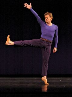 Mikhail baryshnikov...AMAZING male dancer. He hit 26 pirouettes in a regular class!:O best of the best