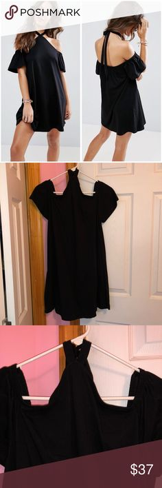ASOS Halter Neck Cold Shoulder Dress Only tried on and has been washed. Adjustable halter neck. Cold shoulder cut. Has a relaxed fit. 100% cotton. Stock photos from ASOS website. ❌NO TRADES❌ ASOS Dresses