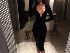 V-neck amazing black dress to wear Sexy Dresses, Cute Dresses, Beautiful Dresses, Formal Dresses, Mode Outfits, Girl Outfits, Fashion Outfits, Vestidos Sexy, Looks Chic