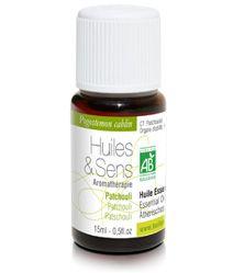 huile essentielle patchouli (bio) de chez Huiles & Sens Aromatherapie (http://www.huiles-et-sens.com/huile-essentielle-patchouli-bio/)