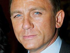 Would melt at the sight of those beautiful eyes - Daniel Craig Pretty Blue Eyes, Beautiful Blue Eyes, Gorgeous Men, Pretty People, Beautiful People, Daniel Graig, Daniel Craig James Bond, Stieg Larsson, People Of Interest