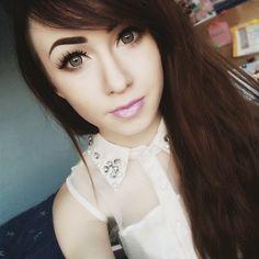 GEO Holicat Barbie Hazel Circle Lenses are to die for. Just look at her beautiful eyes!