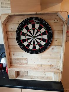 Pallet dart board case