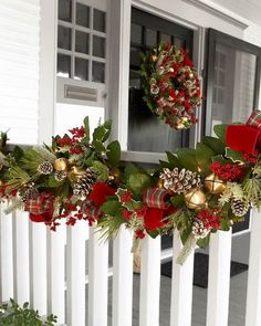 Fresh Festive Christmas Entryway Decorating Ideas are to pick and choose from to create a festive environment on your entryway to delight the senses and spread holiday cheer. Christmas Entryway, Christmas Staircase, Christmas Porch, Noel Christmas, All Things Christmas, Christmas Wreaths, Christmas Crafts, Outside Christmas Decorations, Magic Garden