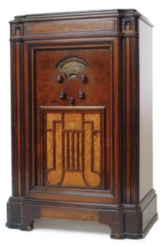 Art Nouveau Design, Art Deco, Old Time Radio, Retro Radios, Antique Radio, Timber Wood, Tv On The Radio, Audio Room, Woodworking