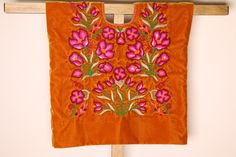 Blusa de Tehuana con tulipanes bordados a mano: hermoso huipil mexicano, túnica del Istmo de Tehuantepec color ambar, especial para fiestas de CadenillayFlores en Etsy