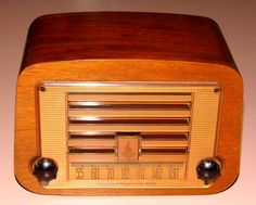 https://flic.kr/p/E4JtF1 | Vintage Emerson Wood Table Radio, Model 578A, AM Band Only, 5 Tubes, Made In USA, Circa 1946