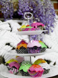 Bakverk på höjden! 3-level cake plate, perfect at weddings! #jellybeansweden, www.jellybean.se