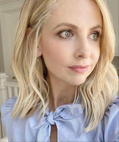 Sarah Michelle Gellar Buffy, Buffy The Vampire Slayer, New Week, Amazing Women, Celebs, Actresses, Long Hair Styles, Photography, Beauty