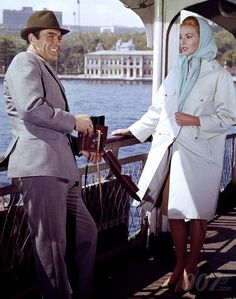 From Russia With Love (1963): Sean CONNERY (James Bond) & Daniela BIANCHI (Tatiana Romanov)