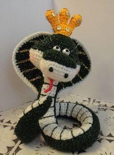 Free Snake Amigurumi Crochet Pattern and Tutorial