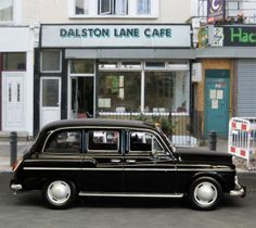 London Taxi Cab Company - Bing Images Places In England, John Wood, London Street, Vintage Cars, Dream Cars, United Kingdom, Transportation, Automobile, British