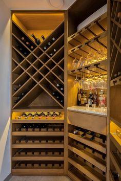 Under Stairs Wine Cellar, Wine Cellar Basement, Wine Cellar Racks, Wine Rack Storage, Wine Rack Wall, Wine Wall, Bar Sala, Wine Cellar Design, Wine Cellar Modern