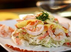 Receita de Salada de Manga com Camarões - A receita de salada é perfeita! Combina bem o sabor do mar, do camarão com uma fruta fresca e gostosa como a manga....