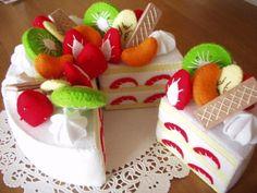 Игрушки из фетра: пироженки, конфеты, торты + шаблоны ЗДЕСЬ http://razpetelka.ru/iz-fetra-2/podarok-svoimi-rukam.html/  #из_фетра_raz
