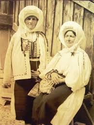 Image result for ROMANIAN TRADITIONAL DRESS
