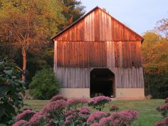 The Barn at Heather Glen, not much room in barn, parking for only 35 cars