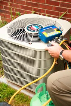 Troubleshooting an air #conditioner #gogreenwayhvac (610) 761-4328