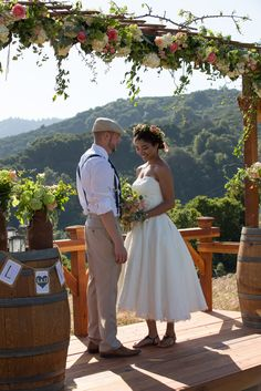 OPENING JUNE 1, 2015: The Meadow at Mountain Winery / Saratoga, CA / Rustic Wedding Ceremony Venue . Rhee Bevere Photography. Gorgeous FLOWERS : Pico Soriano