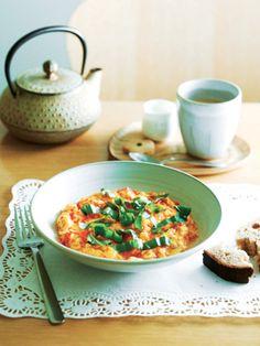 ぎゅっと凝縮したトマトの甘みで、卵がごちそうになる 『ELLE gourmet(エル・グルメ)』はおしゃれで簡単なレシピが満載!