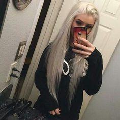 Silver/white long hair kinda sexy