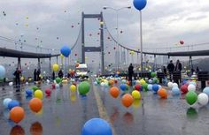 Istanbul-Balloons set free on Bosphorus Bridge!!