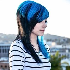 Alex Dorame - really wanna know how she dyes her hair! Nu Goth, Undercut Hairstyles, Cute Hairstyles, Emo Girls, Cute Girls, Emo Cut, Goth Make Up, Alex Dorame, Emo Scene Hair