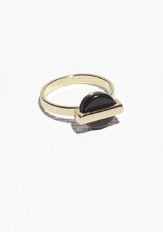 & Other Stories | Petite Medallion ring