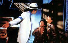 Michael Jackson in the set of Smooth Criminal Short film. (Launch for the Bad Album Michael Jackson Video Songs, Michael Jackson Story, Michael Jackson Photoshoot, Michael Jackson Neverland, Mike Jackson, Akon Lyrics, Janet Jackson Rhythm Nation, Michael Jackson Smooth Criminal, Mj Bad