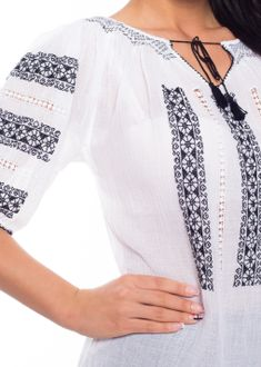 Ie Romaneasca - Chic Roumaine Folk Embroidery, Embroidery Designs, Folk Fashion, Womens Fashion, Beaded Cross Stitch, Fashion Capsule, Boho Tops, Capsule Wardrobe, Ukraine