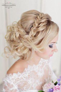 Featured Hairstyle: Websalon Wedding; Featured Photo: Liliya Fadeeva Photographer; www.websalon.su