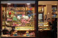 The oldest bakery in Bologna, where to find the pleasure of good taste | Gamberini - Locale storico d'Italia