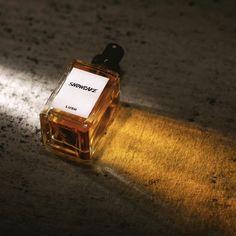 Es gibt noch mehr duftende Neuigkeiten. Zusätzlich zu den vielen neuen Perfumes, die letzte Woche bei uns eingezogen sind, gibt es ab heute auch die von euch gewählten #LushCommunity Perfumes, exklusiv im Onlineshop. Ist dein Liebling dabei?