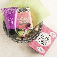 This assorted bundle of naturally-based, high-quality products replaces products you use every day with pure Perfectly Posh pampering. You'll feel the difference good ingredients make to your daily routine. You can always count on Perfectly Posh products containing the best butters and oils and being free of sulfates, petrolatum, and other controversial or irritating ingredients. This bundle of our best includes:  FOR ME AGAIN...