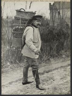 Westphalian basket carrier (Westfälischer Kiepenkerl); August Sander; about 1920 - 1925;
