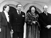 Beatrix, * 31.1.1938, Queen of the Netherlands since 30.4.1980, state visit to West Germany, mit husband Prince Claus, Federal P - Stock Image - CR54F7