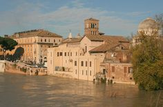 The Tiber is VERY prone to flooding. In December 2008, the Tiber flooded to this level. The building you are looking at sits on Tiber Island.
